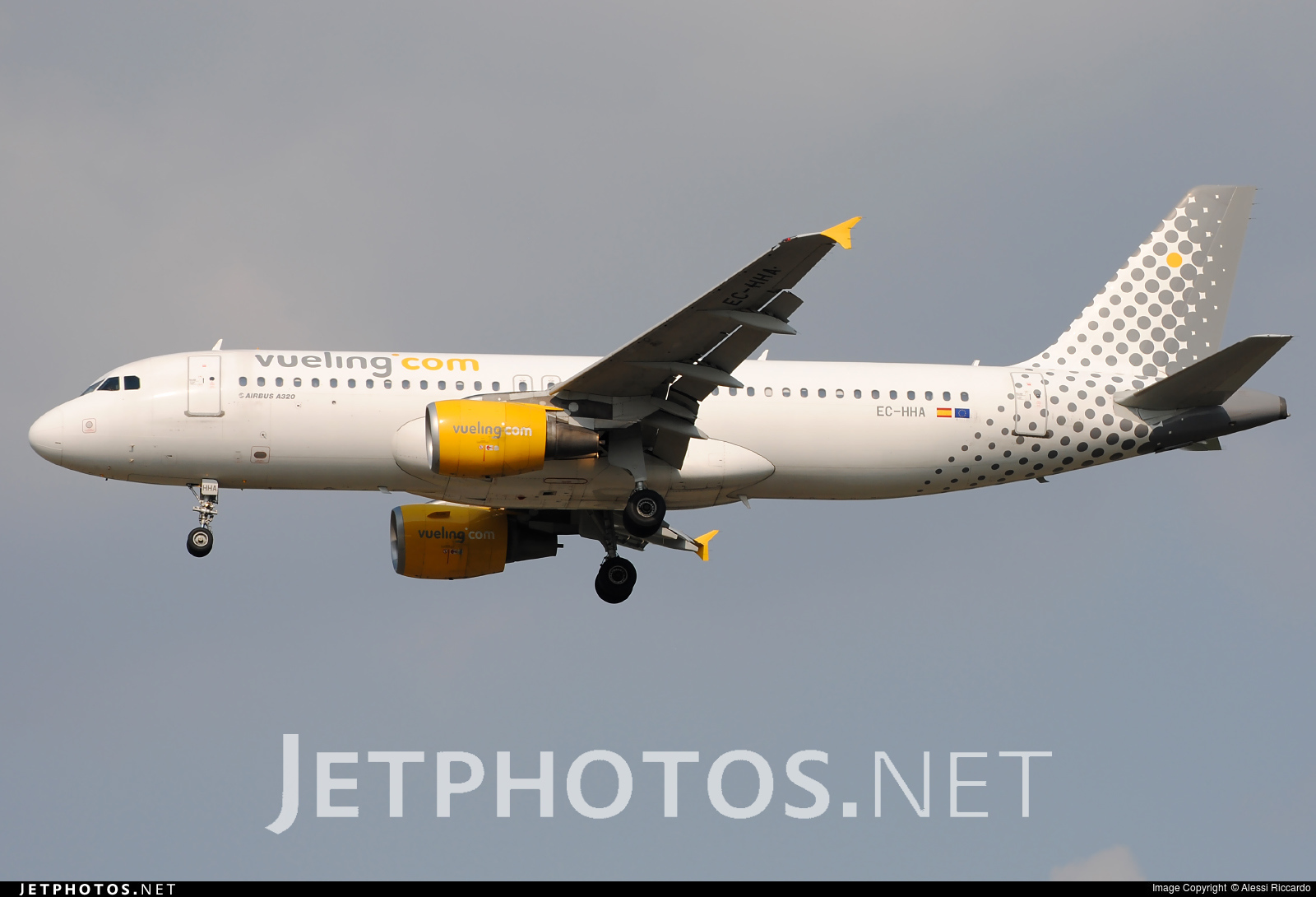 EC-HHA | Airbus A320-214 | Vueling Airlines | Alessi Riccardo ...