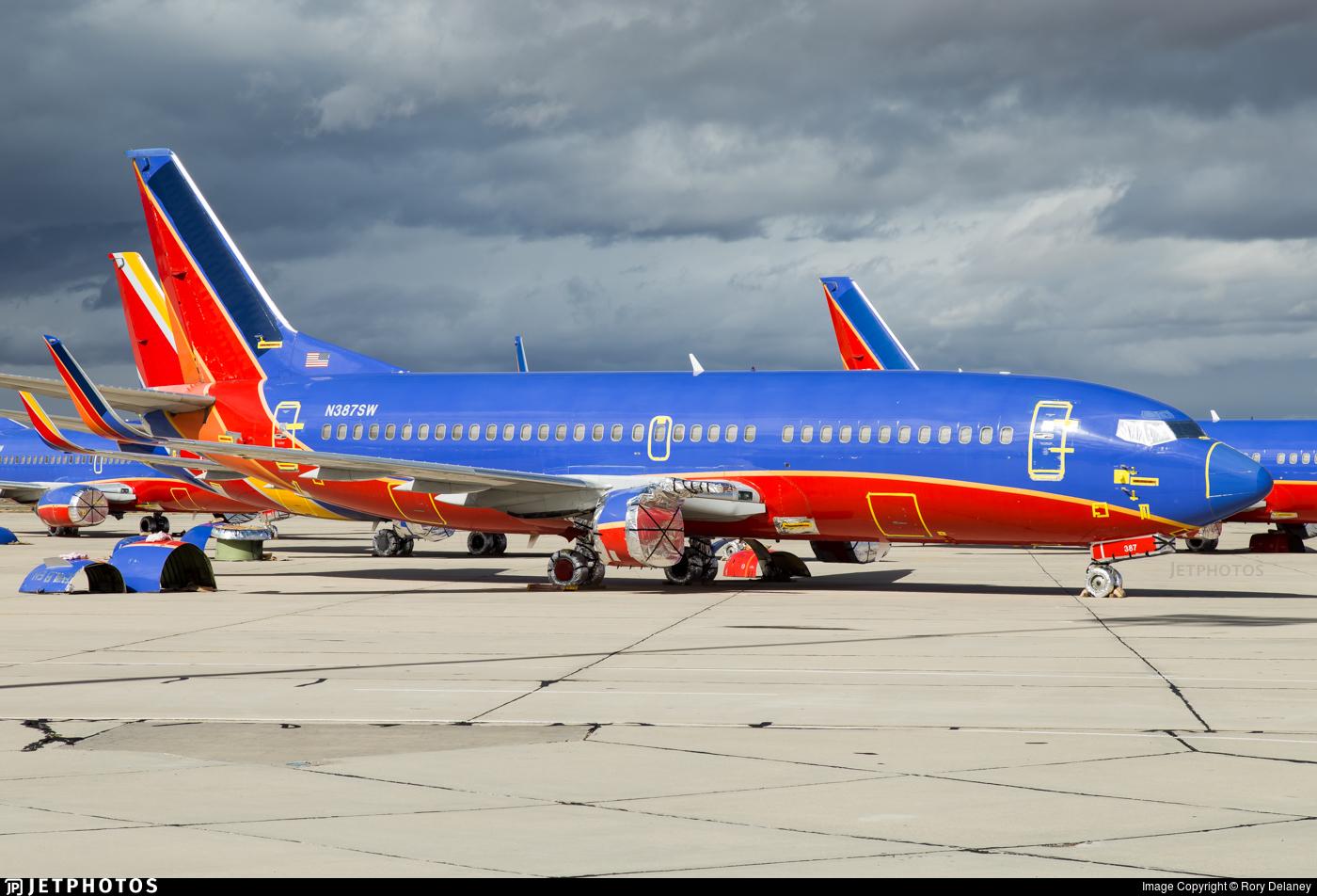 N387SW - Boeing 737-3H4 - Untitled