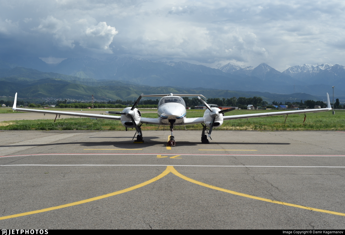 UP-LA255 - Diamond DA-42 Twin Star - Aeroprakt.kz