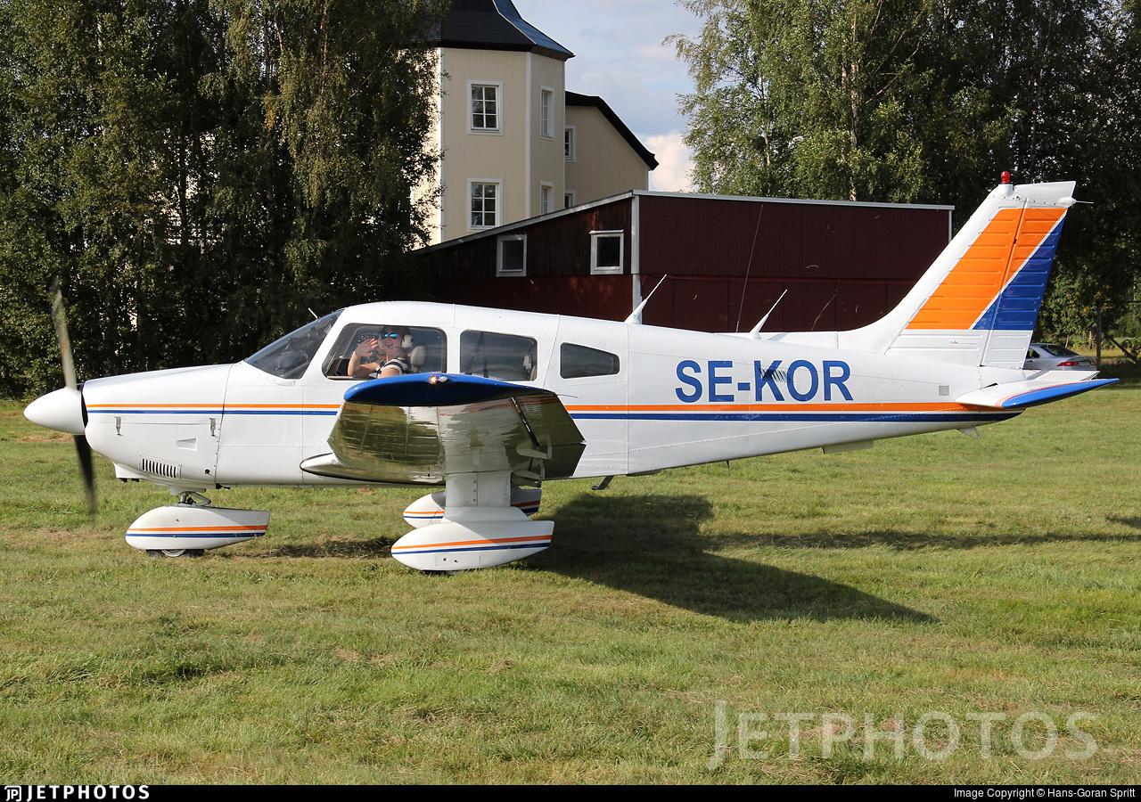 SE-KOR - Piper PA-28-181 Archer II - Private