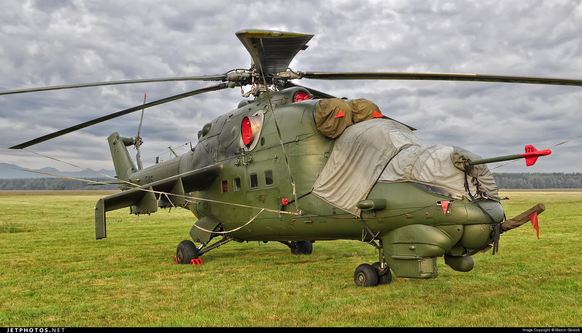 585 - Mil Mi-24D Hind D - Poland - Army