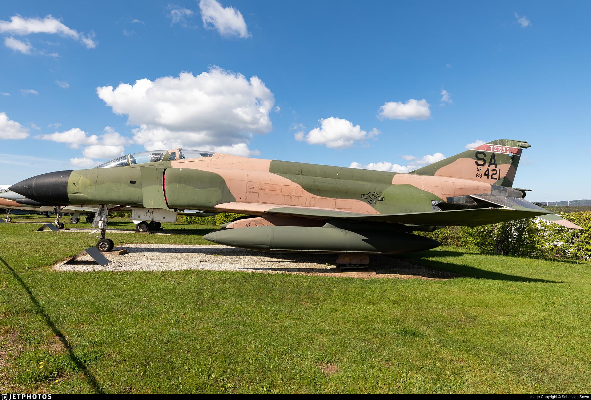 63-7421 - McDonnell Douglas F-4C Phantom II - United States - US Air Force (USAF)