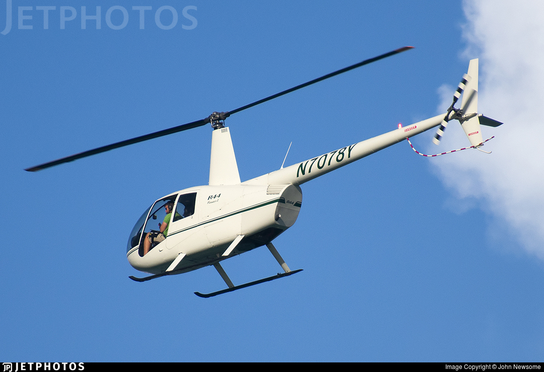 N7078Y - Robinson R44 Raven - Private
