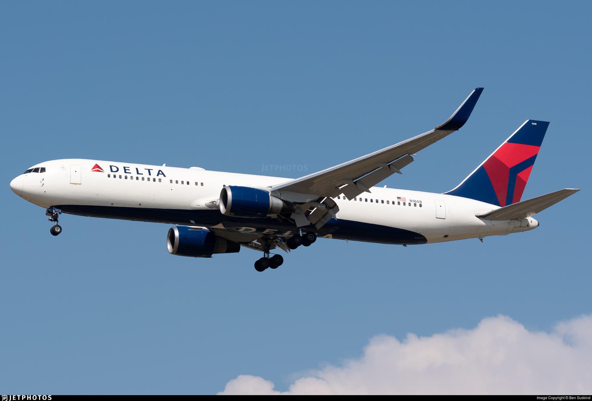 N1608 - Boeing 767-332(ER) - Delta Air Lines