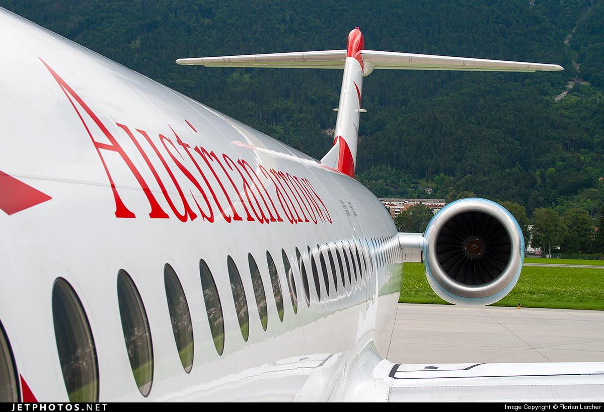 OE-LVE - Fokker 100 - Austrian Arrows