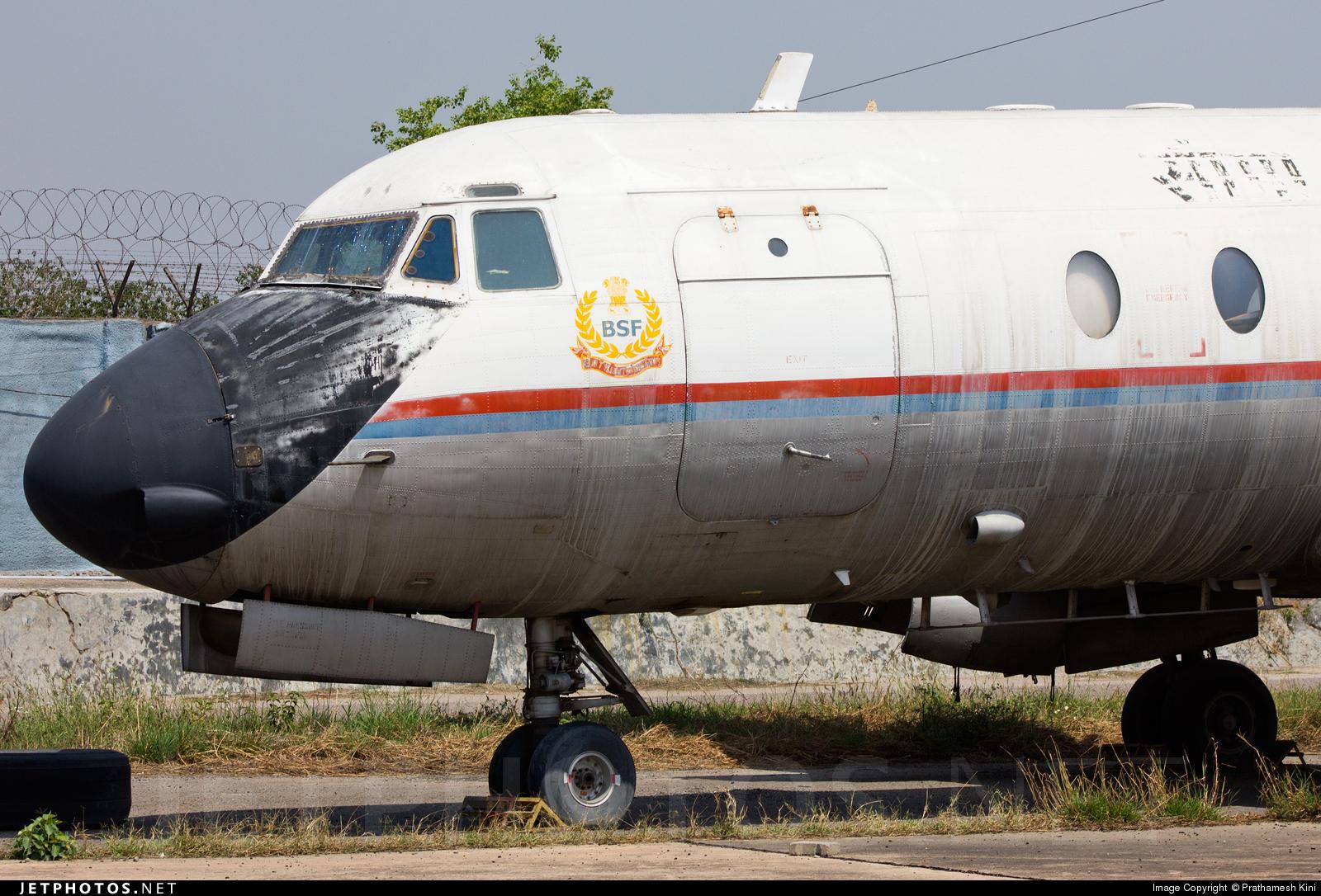 VT-EHL - Hindustan Aeronautics HAL-748 - India - Border Security Force