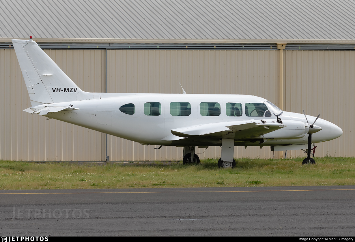 VH-MZV - Piper PA-31-350 Chieftain - Private
