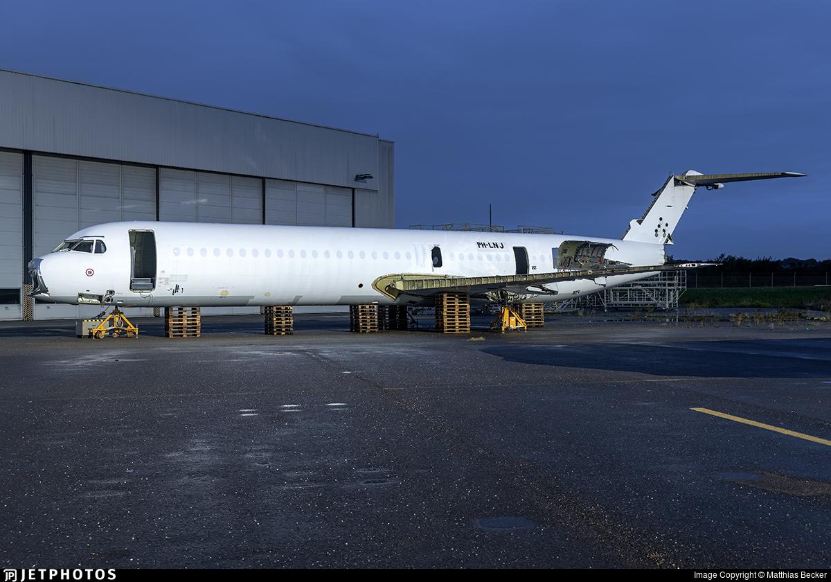 CS-TPE - Fokker 100 - Untitled