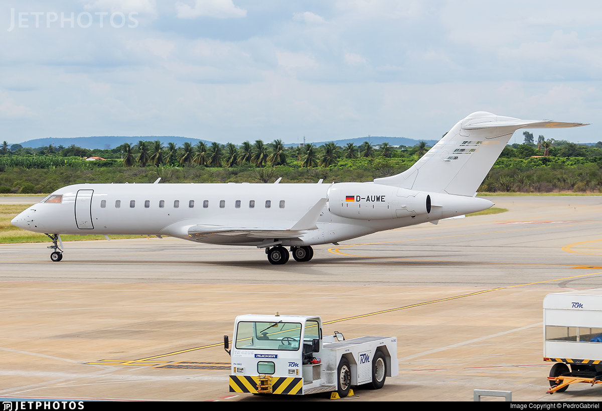 D-AUWE - Bombardier BD-700-1A10 Global Express - FAI Rent-a-jet