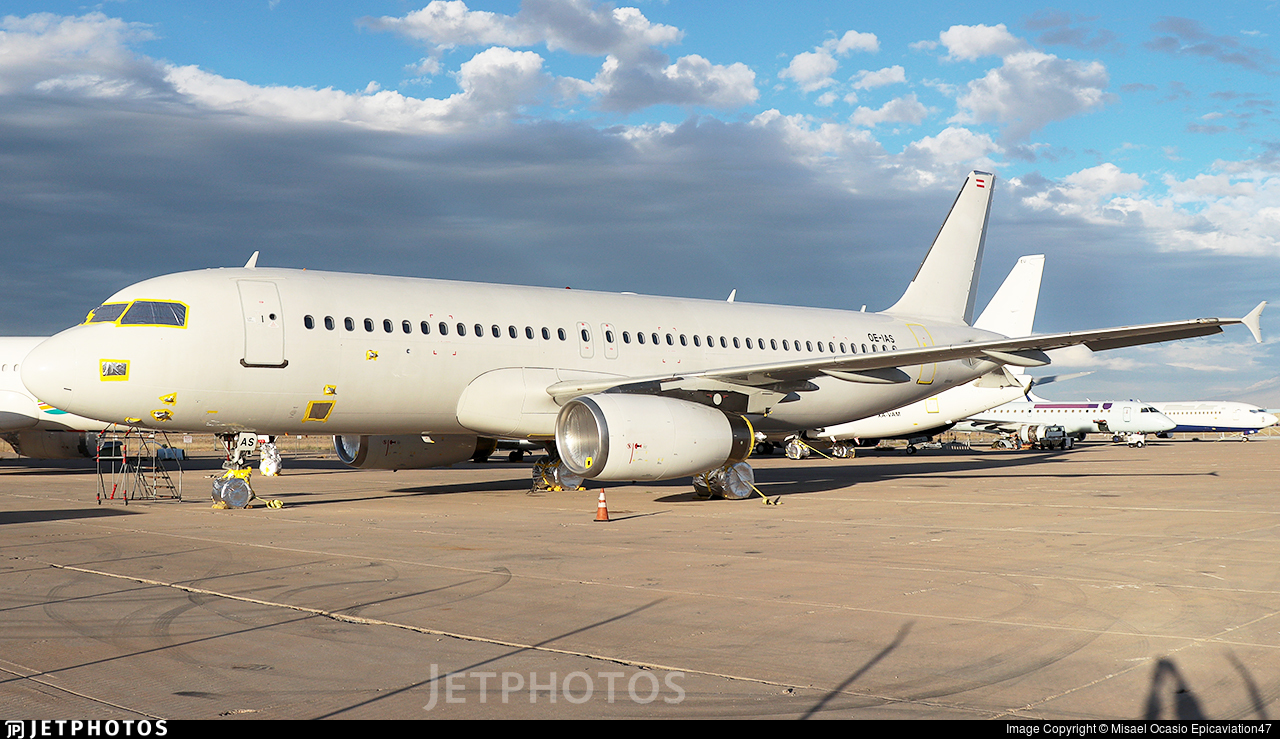 OE-IAS - Airbus A320-232 - Untitled