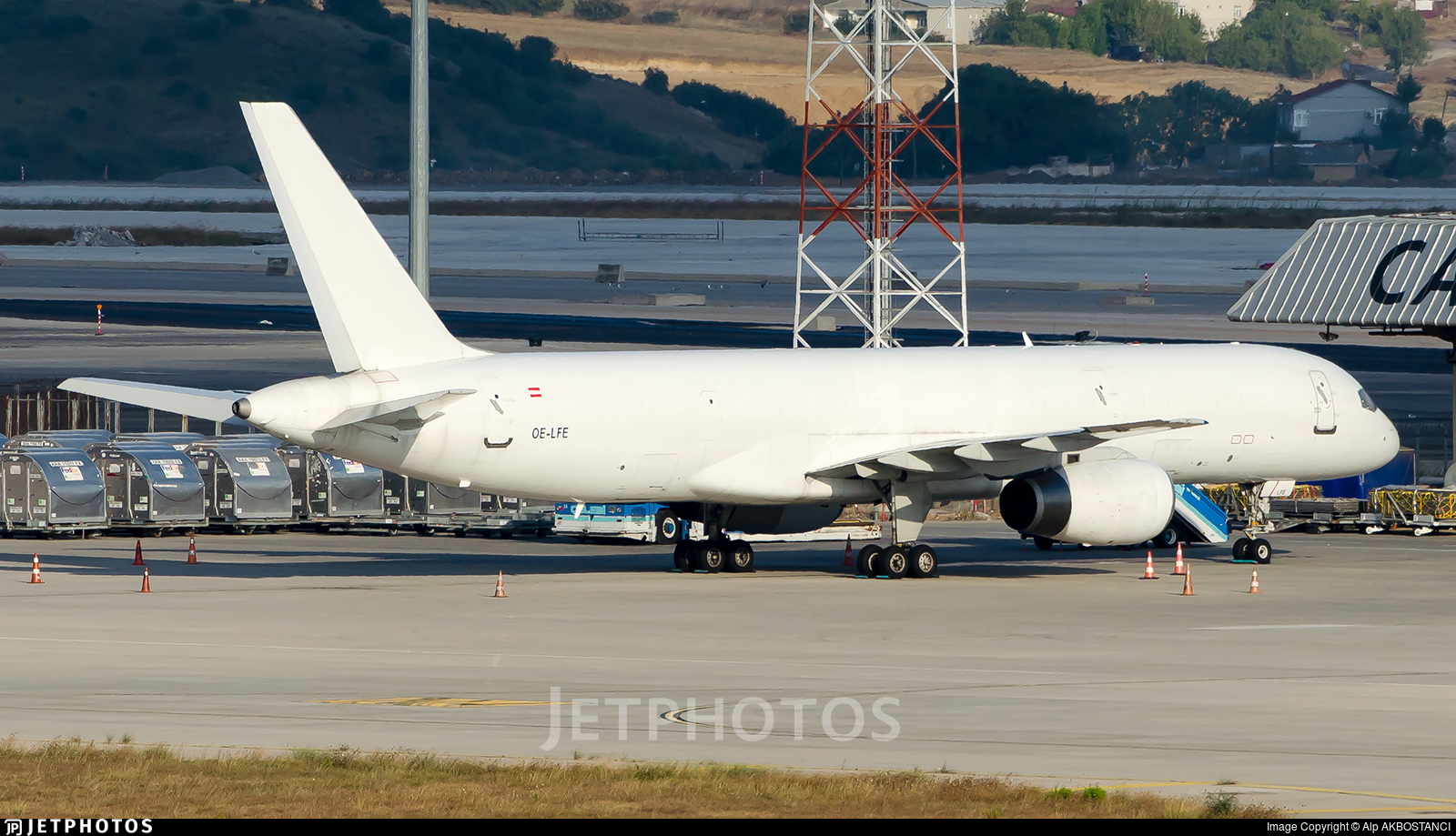 OE-LFE - Boeing 757-28A(SF) - ASL Airlines