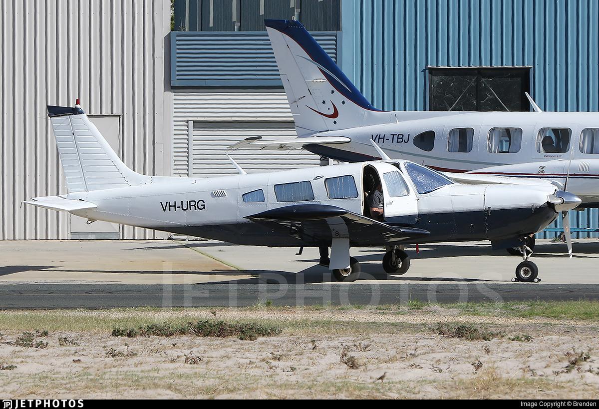 VH-URG - Piper PA-32R-300 Lance - Private