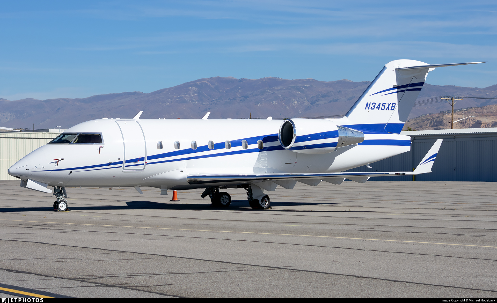 N345XB - Bombardier CL-600-2B16 Challenger 604 - Private