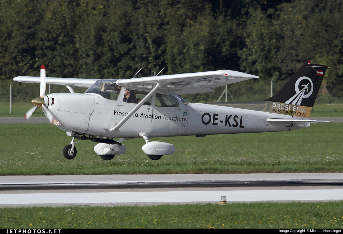 OE-KSL - Reims-Cessna FR172K Hawk XP II - Private