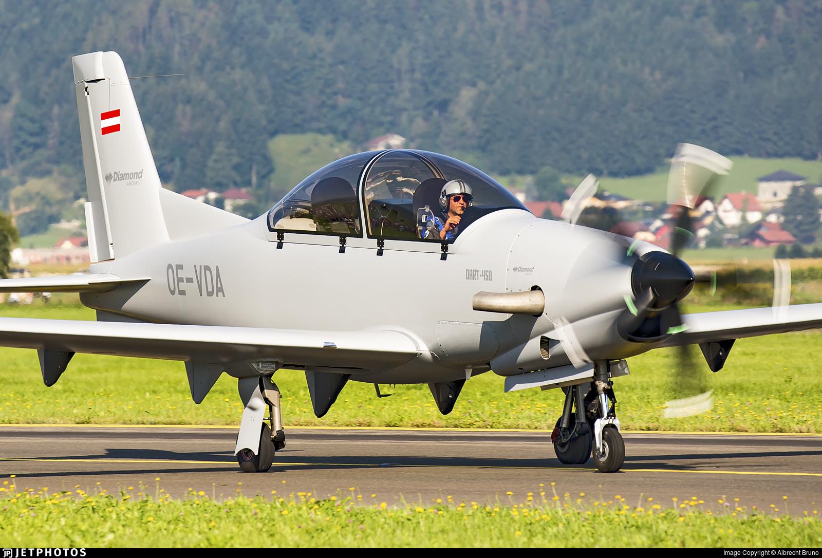 OE-VDA - Diamond Aircraft DART-450 - Diamond Aircraft Industries