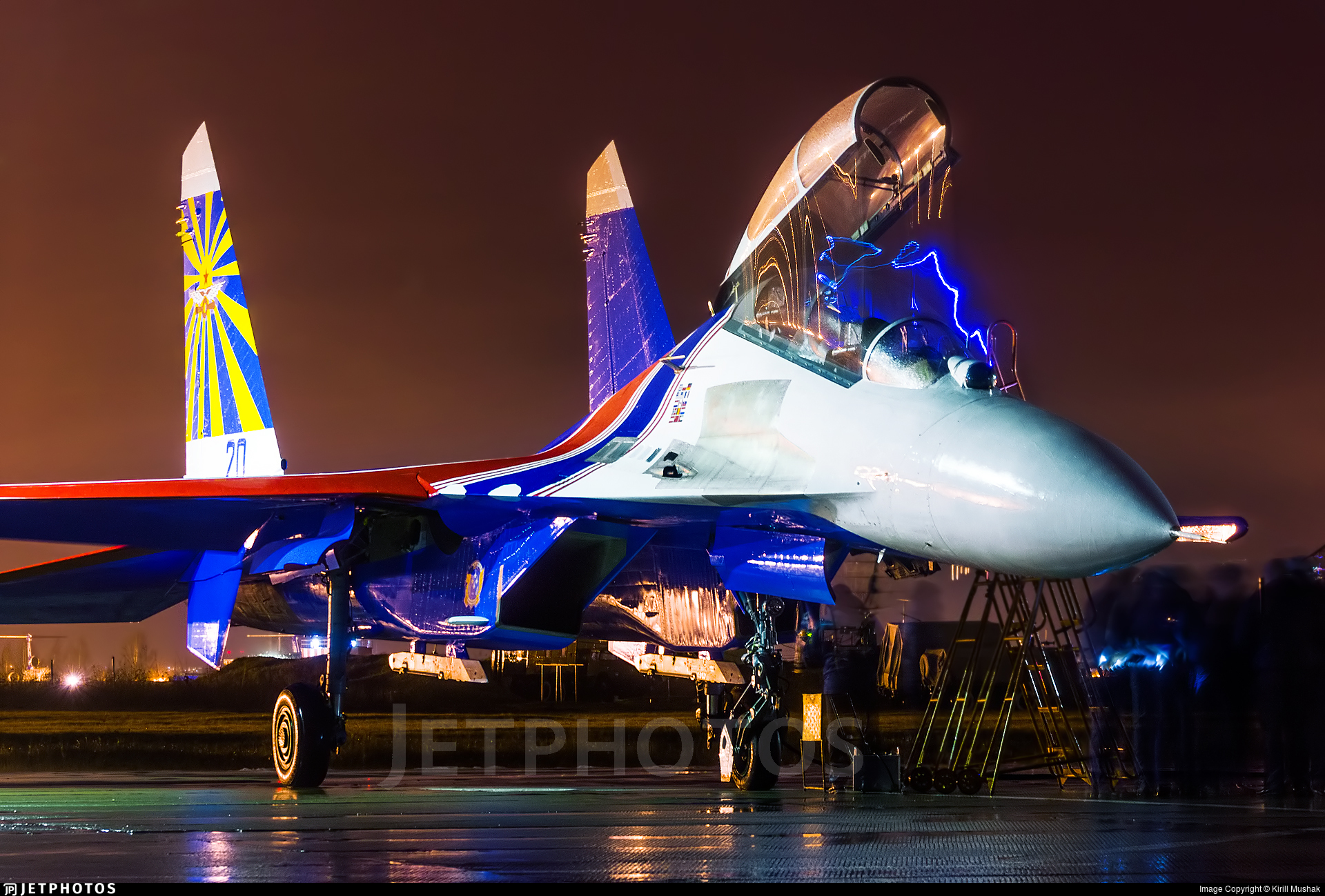 20 - Sukhoi Su-27UB Flanker C - Russia - Air Force