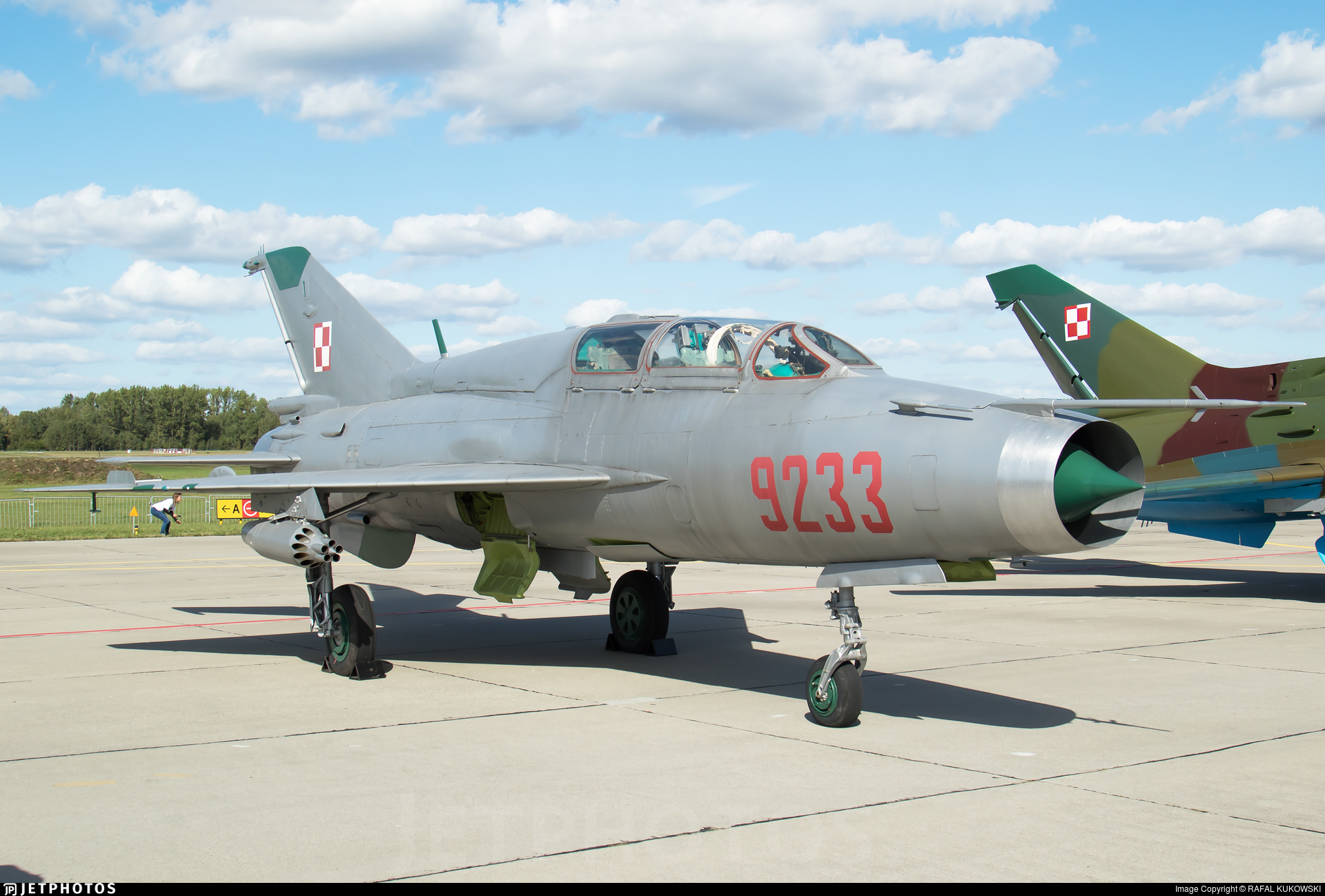 9233 - Mikoyan-Gurevich MiG-21UM Mongol B - Poland - Air Force