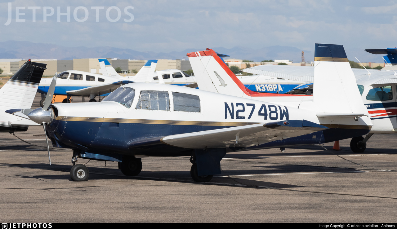 N2748W - Mooney M20C - Private