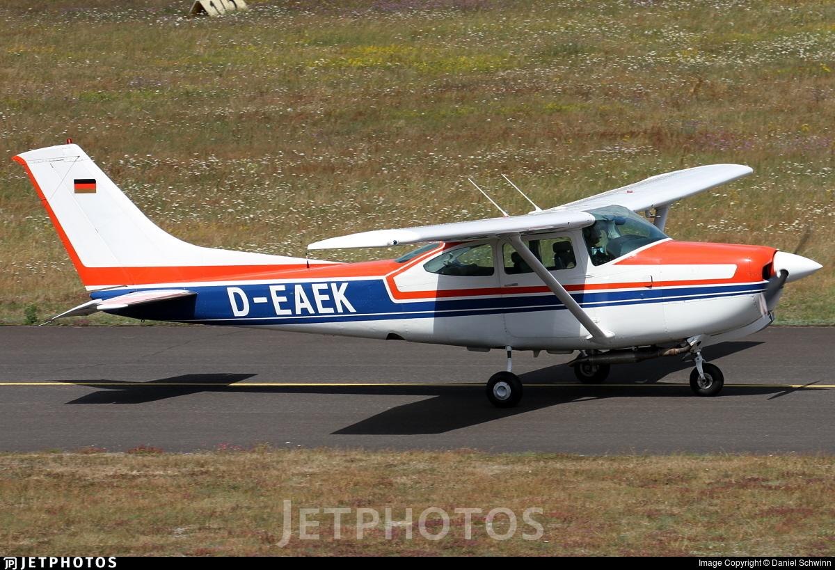 D-EAEK - Reims-Cessna FR182 Skylane RG - Private