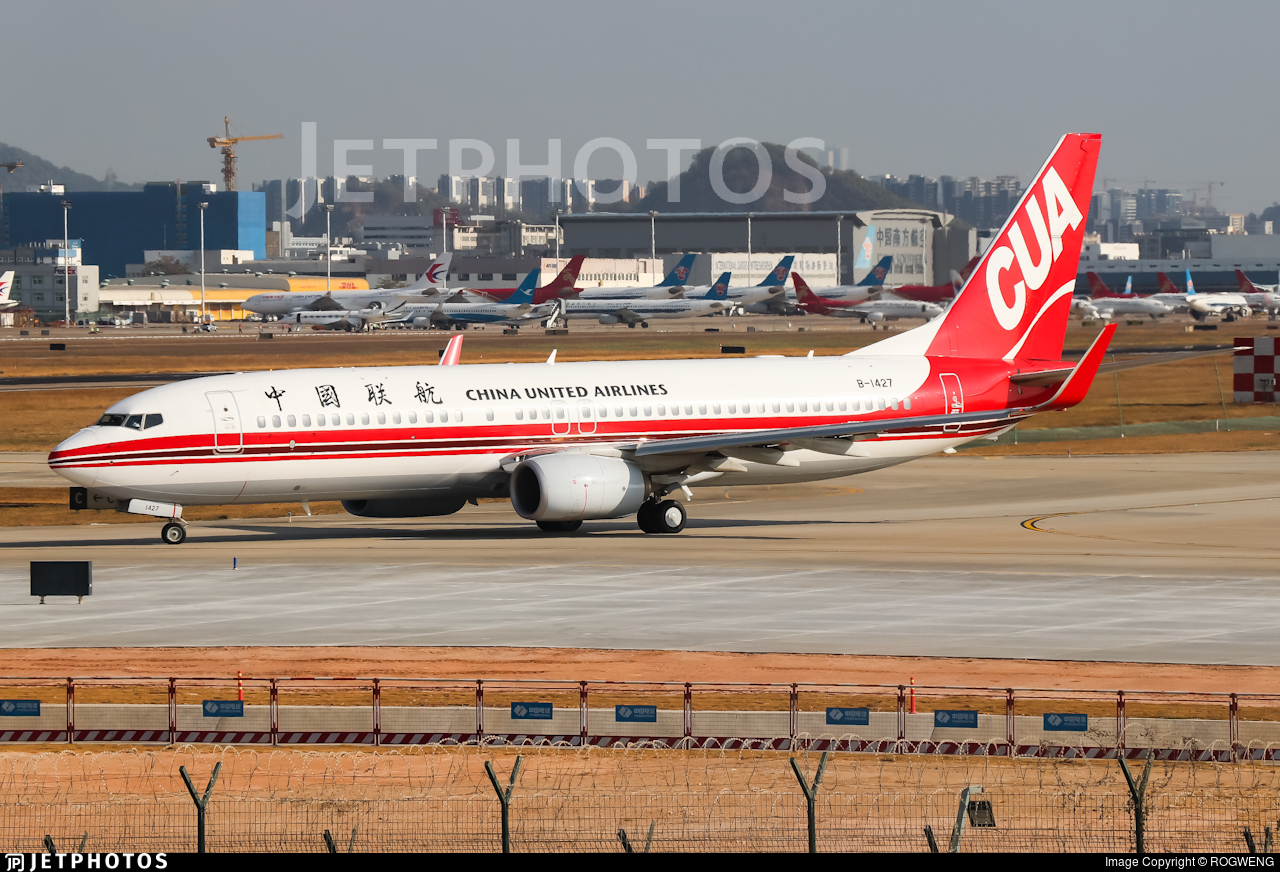 B-1427 - Boeing 737-89P - China United Airlines
