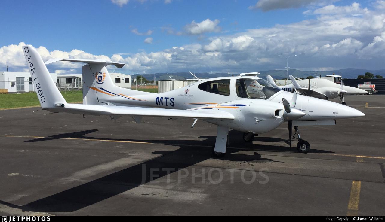 ZK-MTS - Diamond DA-42-L360 Twin Star - Massey University School Of Aviation