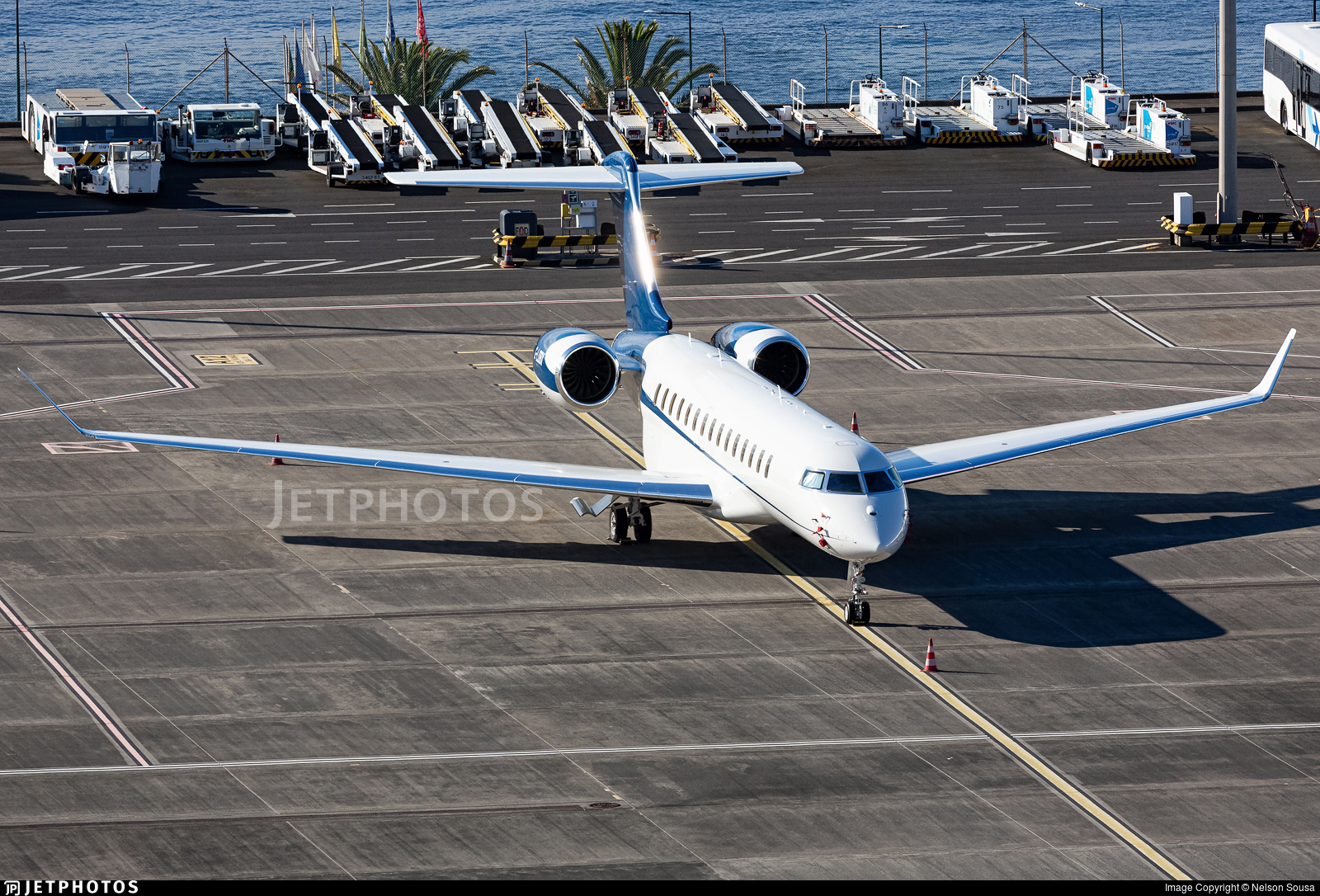 G-LOBX - Bombardier BD-700-2A12 Global 7500  - Private