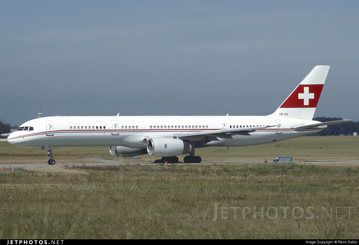HB-IEE - Boeing 757-23A - PrivatAir