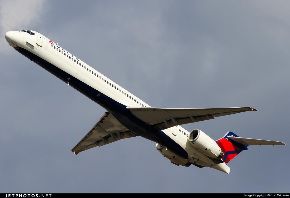 N938DN - McDonnell Douglas MD-90-30 - Delta Air Lines