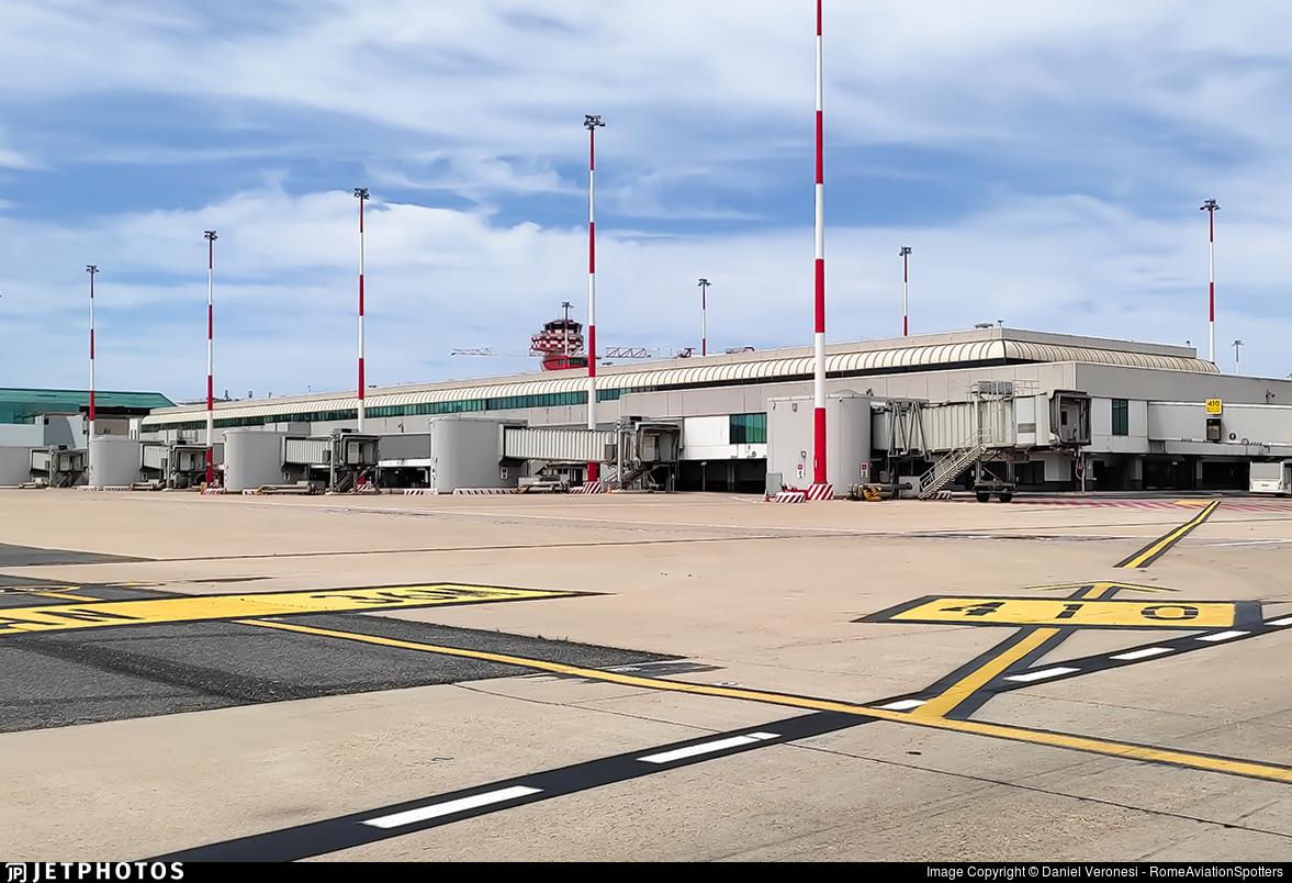 LIRF - Airport - Terminal
