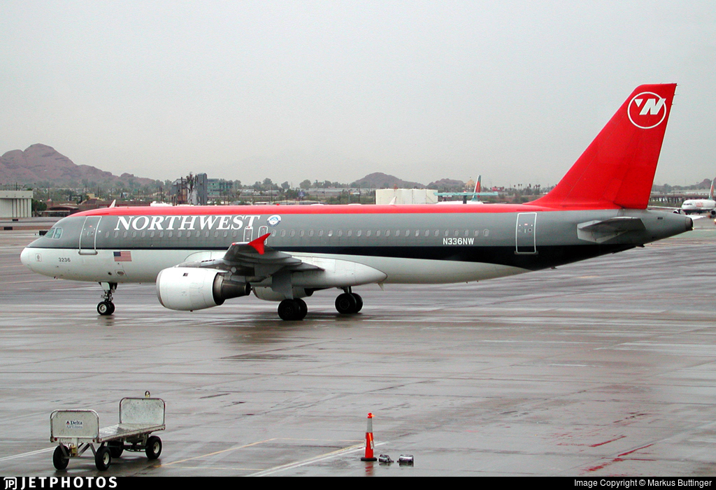 N336NW - Airbus A320-212 - Northwest Airlines