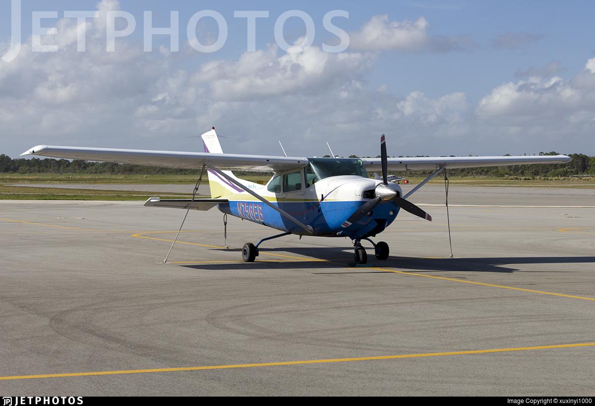 N756EB - Cessna R182 Skylane RG - Paris Air