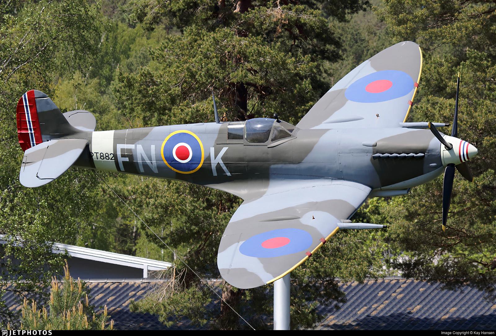 PT882 - Supermarine Spitfire Mk.IX - United Kingdom - Royal Air Force (RAF)
