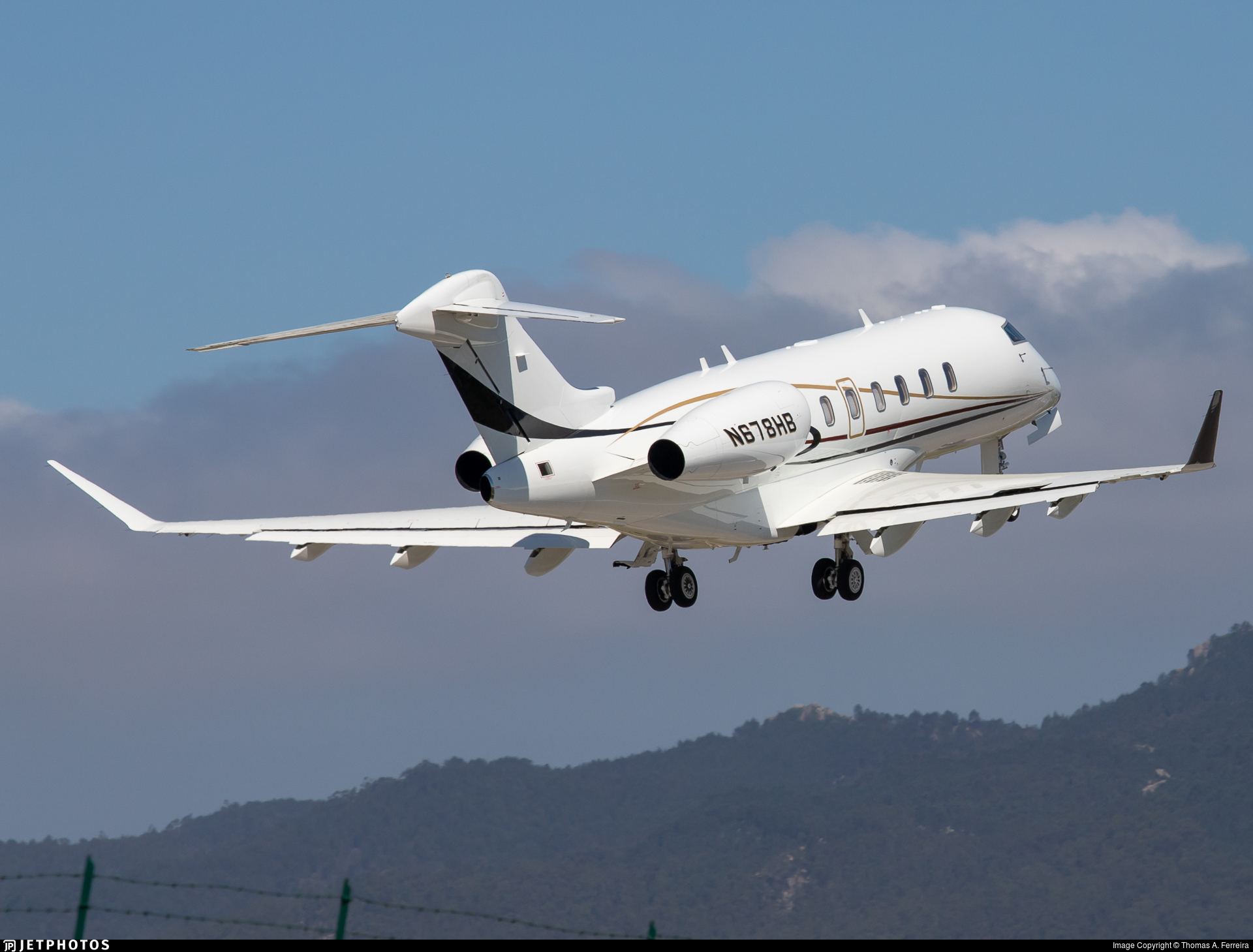 N678HB - Bombardier BD-100-1A10 Challenger 350 - Private