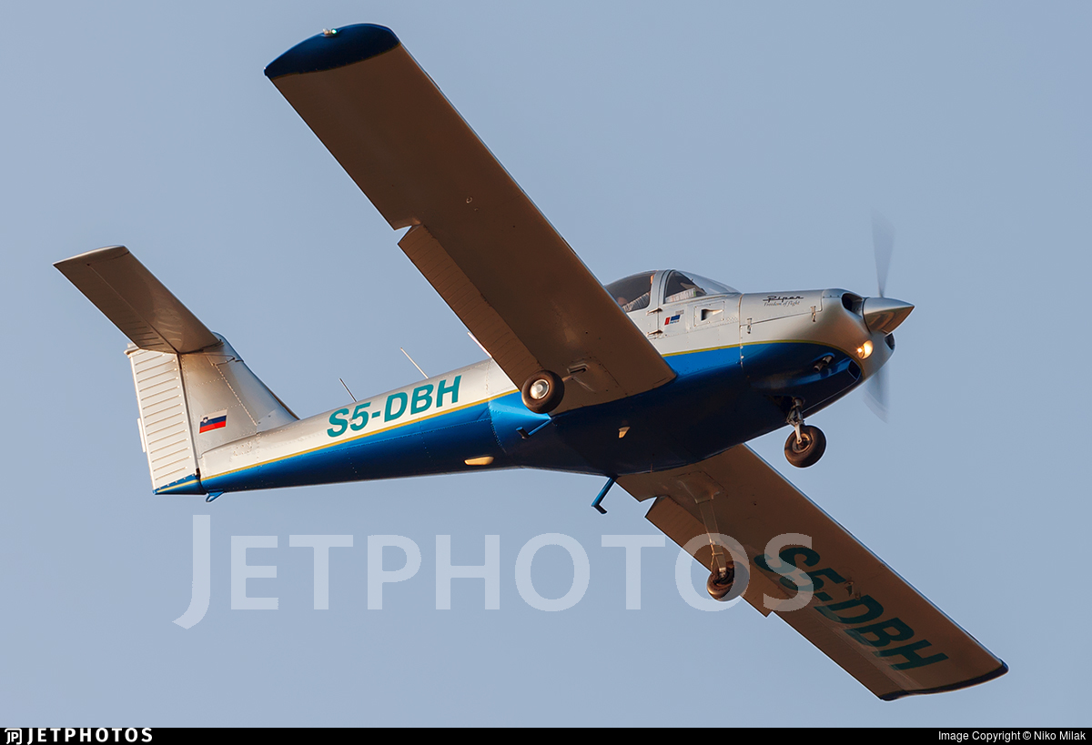 S5-DBH - Piper PA-38-112 Tomahawk - Private