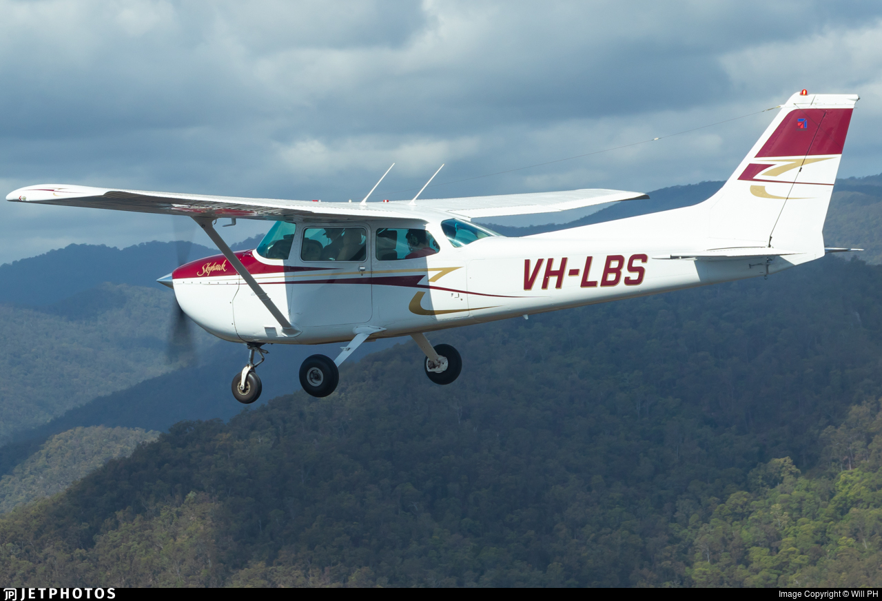 VH-LBS - Cessna 172N Skyhawk II - Aerodynamic Flight Academy (ADFA)