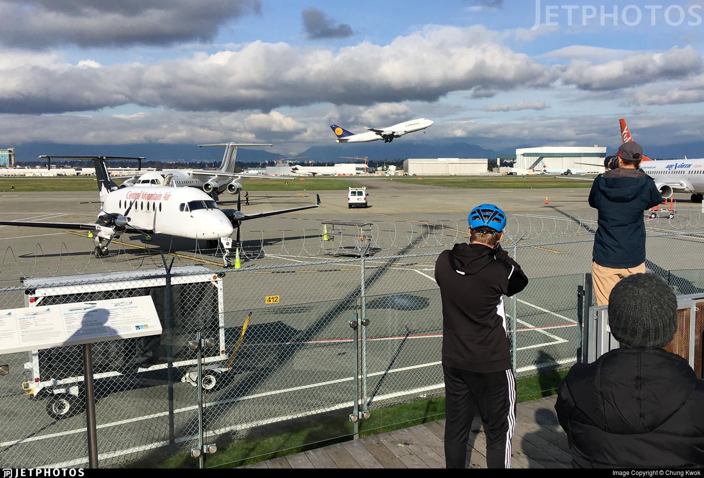 CYVR - Airport - Spotting Location