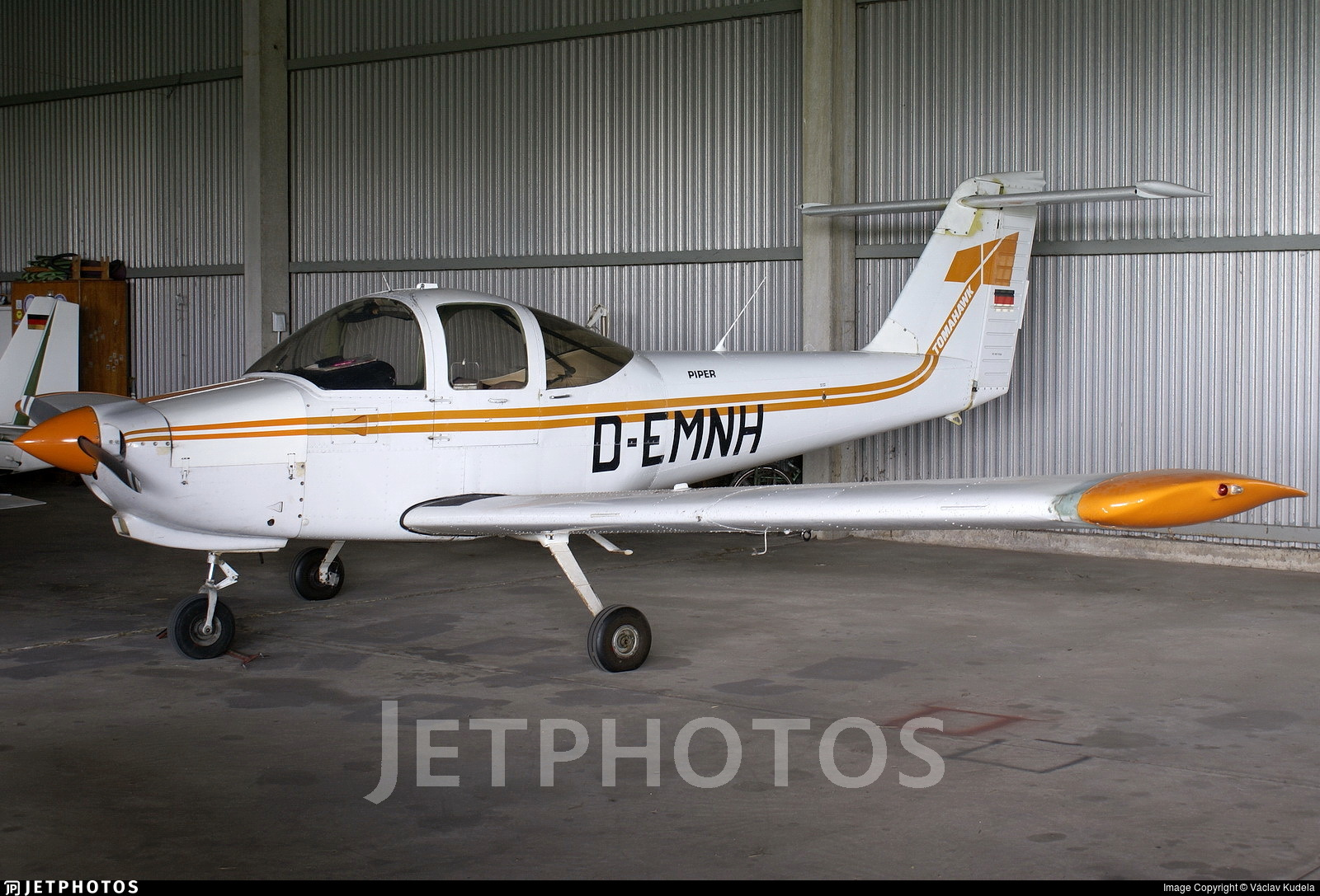 D-EMNH - Piper PA-38-112 Tomahawk - Private