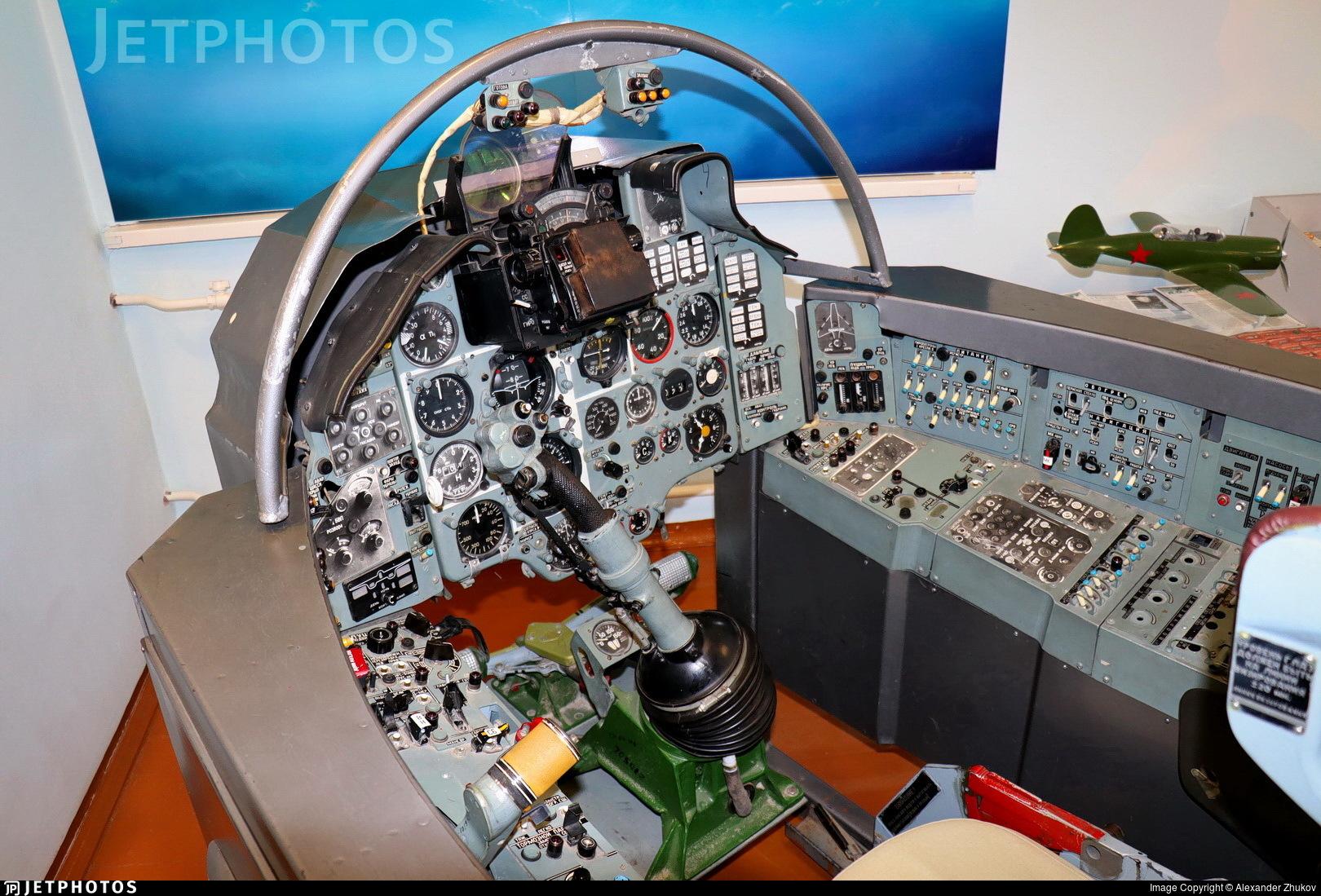 101 - Sukhoi Su-17M Fitter C - Soviet Union - Air Force