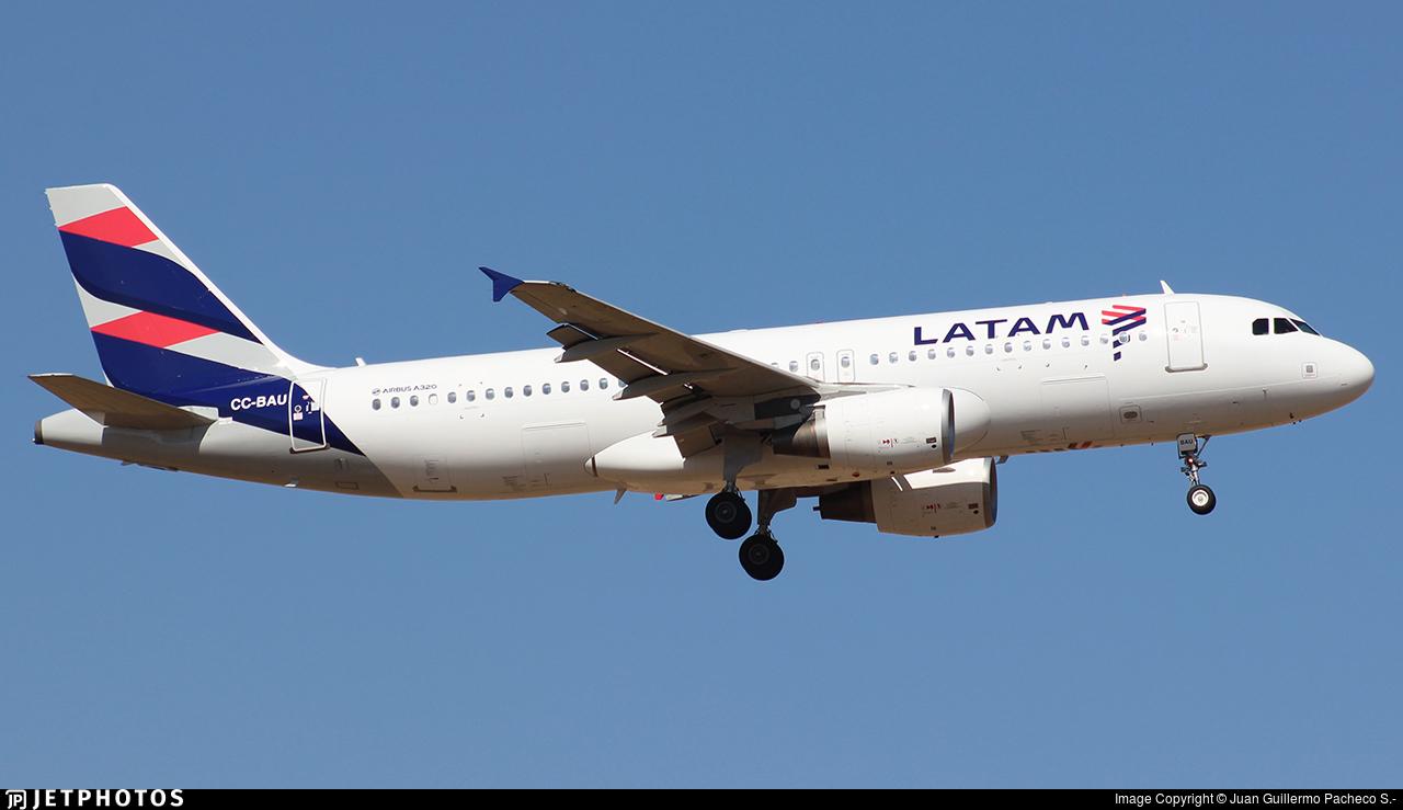 CC-BAU - Airbus A320-214 - LATAM Airlines