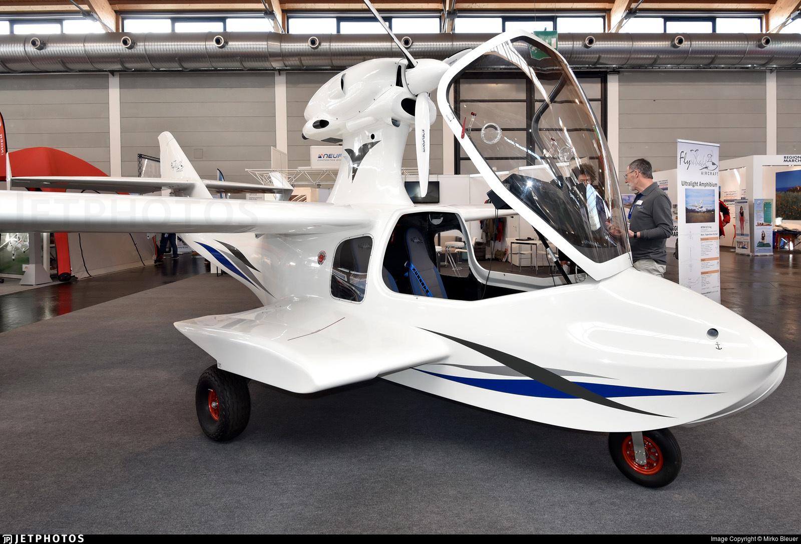 D-MFLK - Flywhale Aircraft Adventure iS Sport - Private