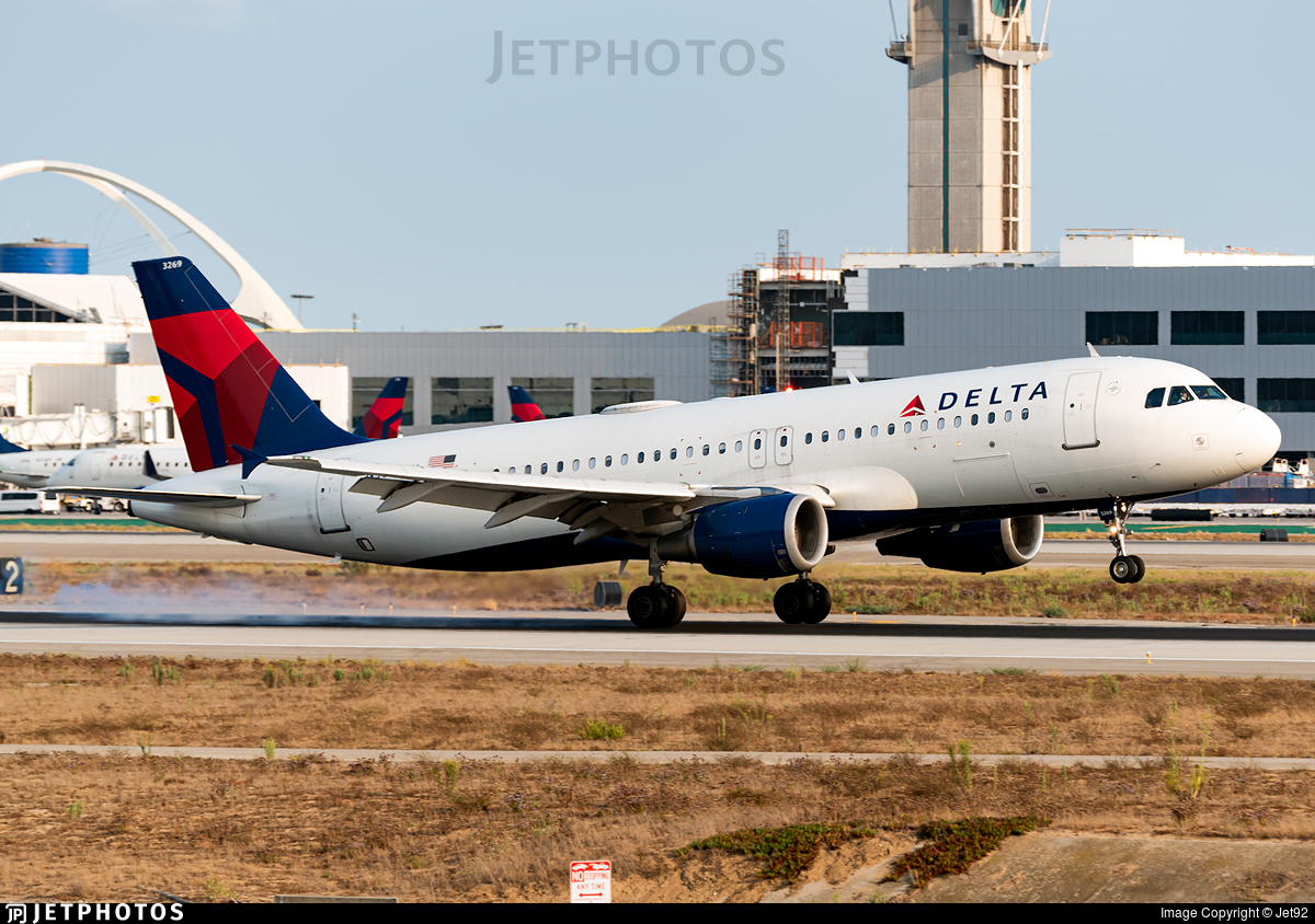N369NW - Airbus A320-212 - Delta Air Lines