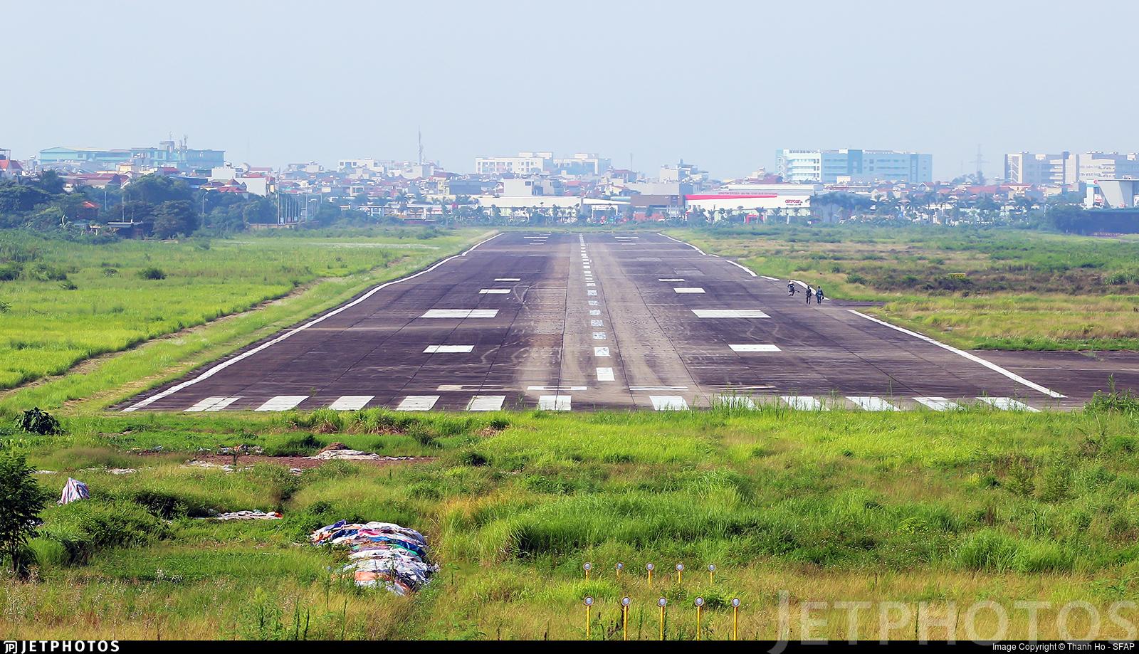 VVGL - Airport - Runway