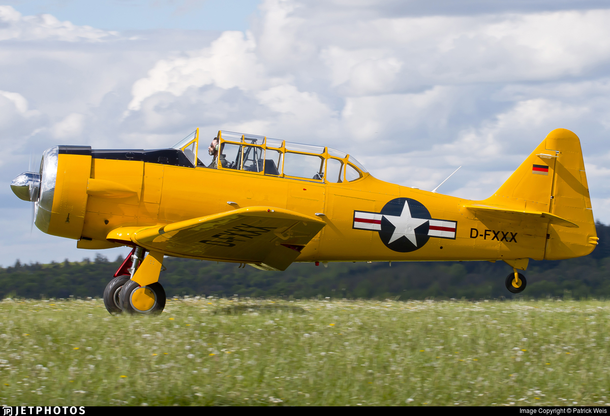 D-FXXX - North American AT-6 Texan - Private
