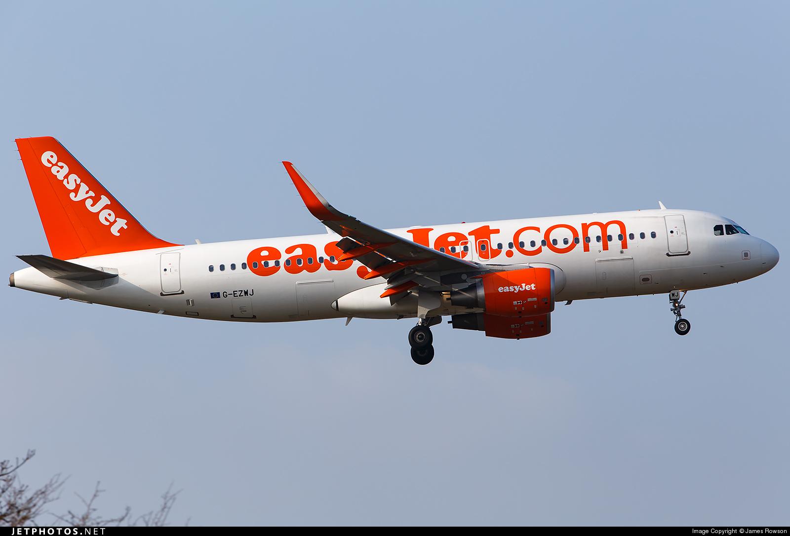 G-EZWJ - Airbus A320-214 - easyJet