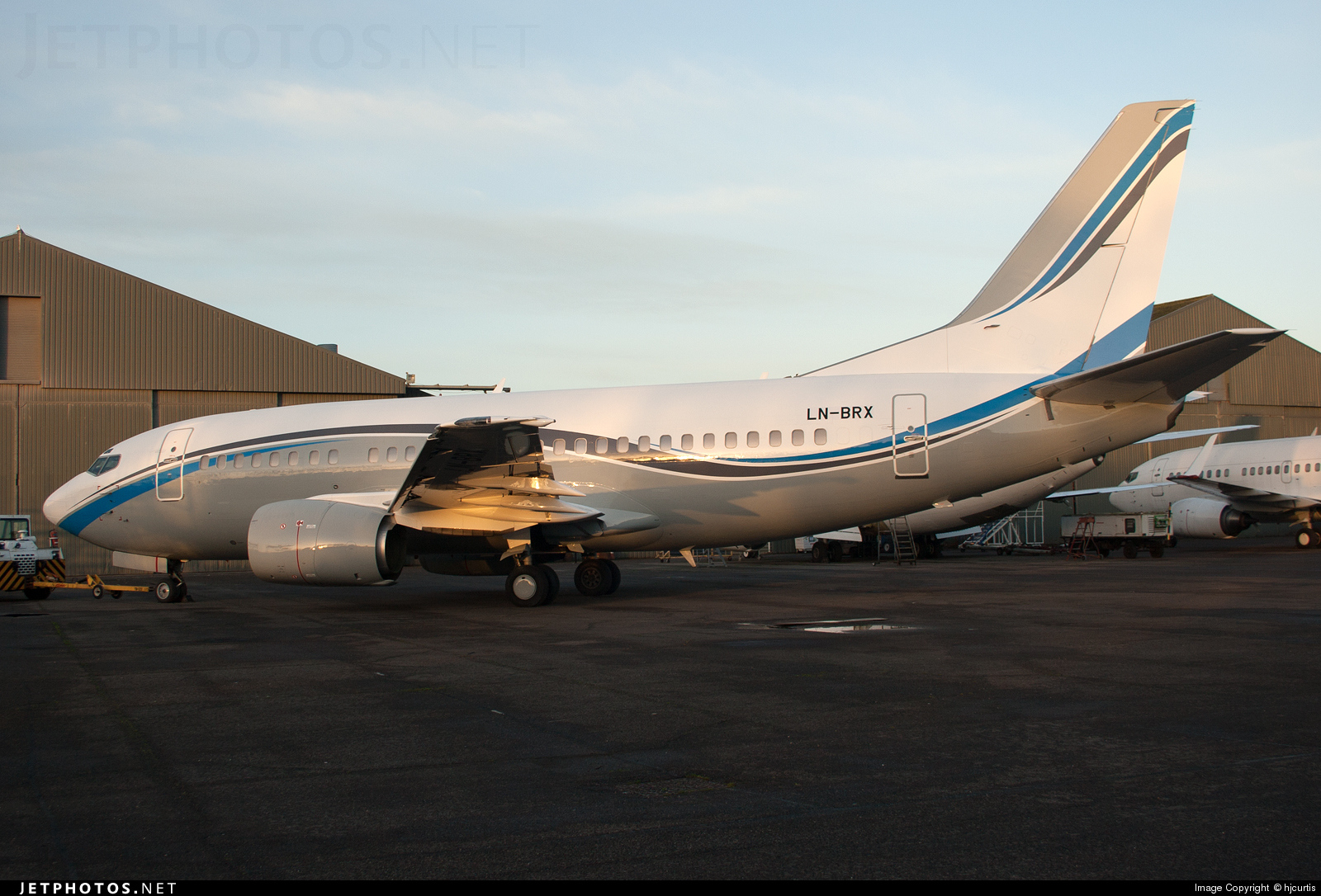 LN-BRX - Boeing 737-505 - Private