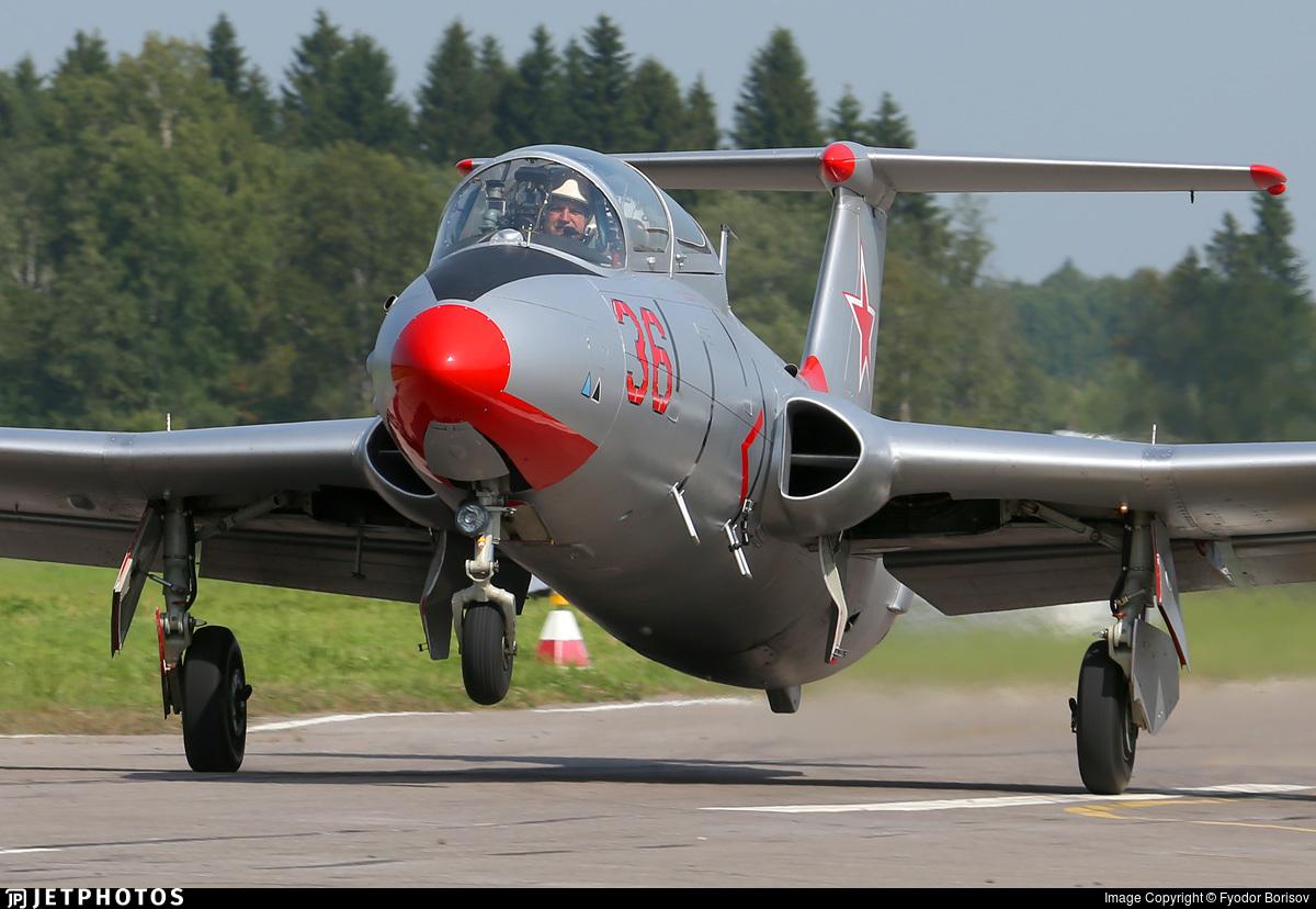 RA-1342G - Aero L-29 Delfin - Private