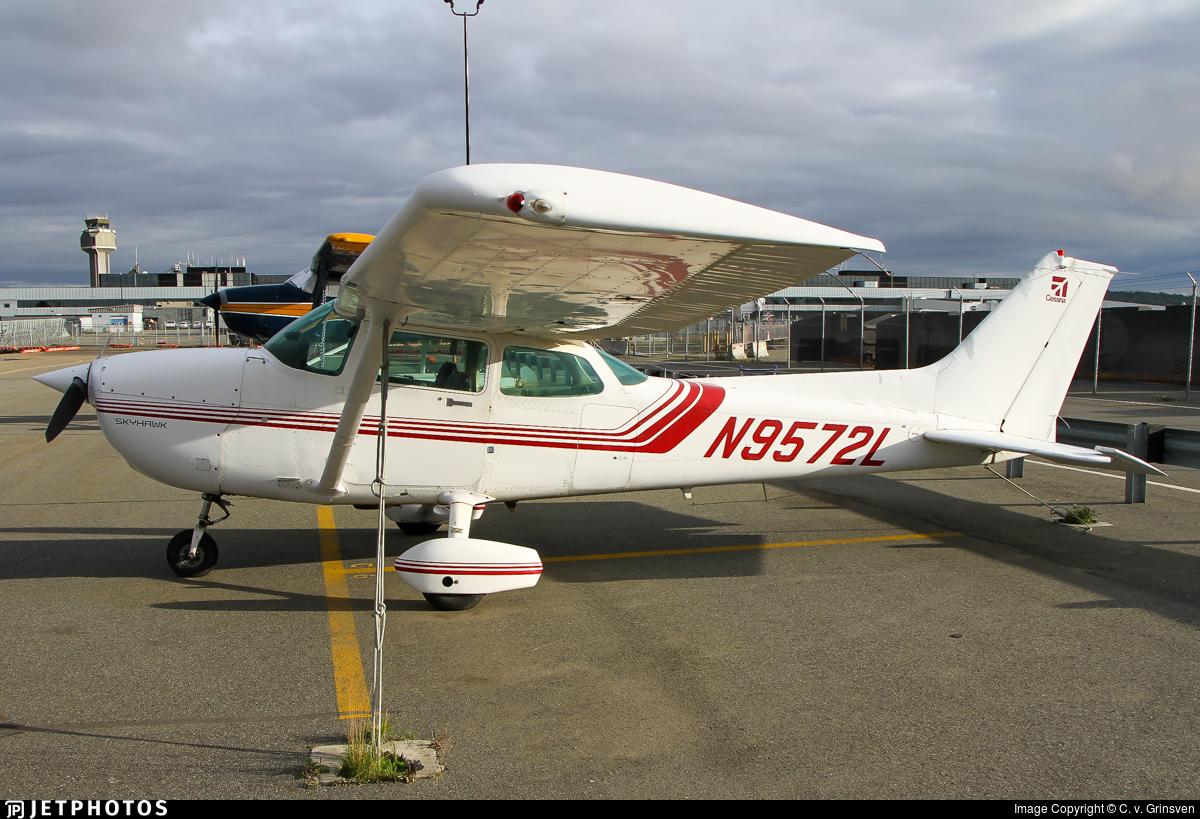 N9572L - Cessna 172P Skyhawk - Private
