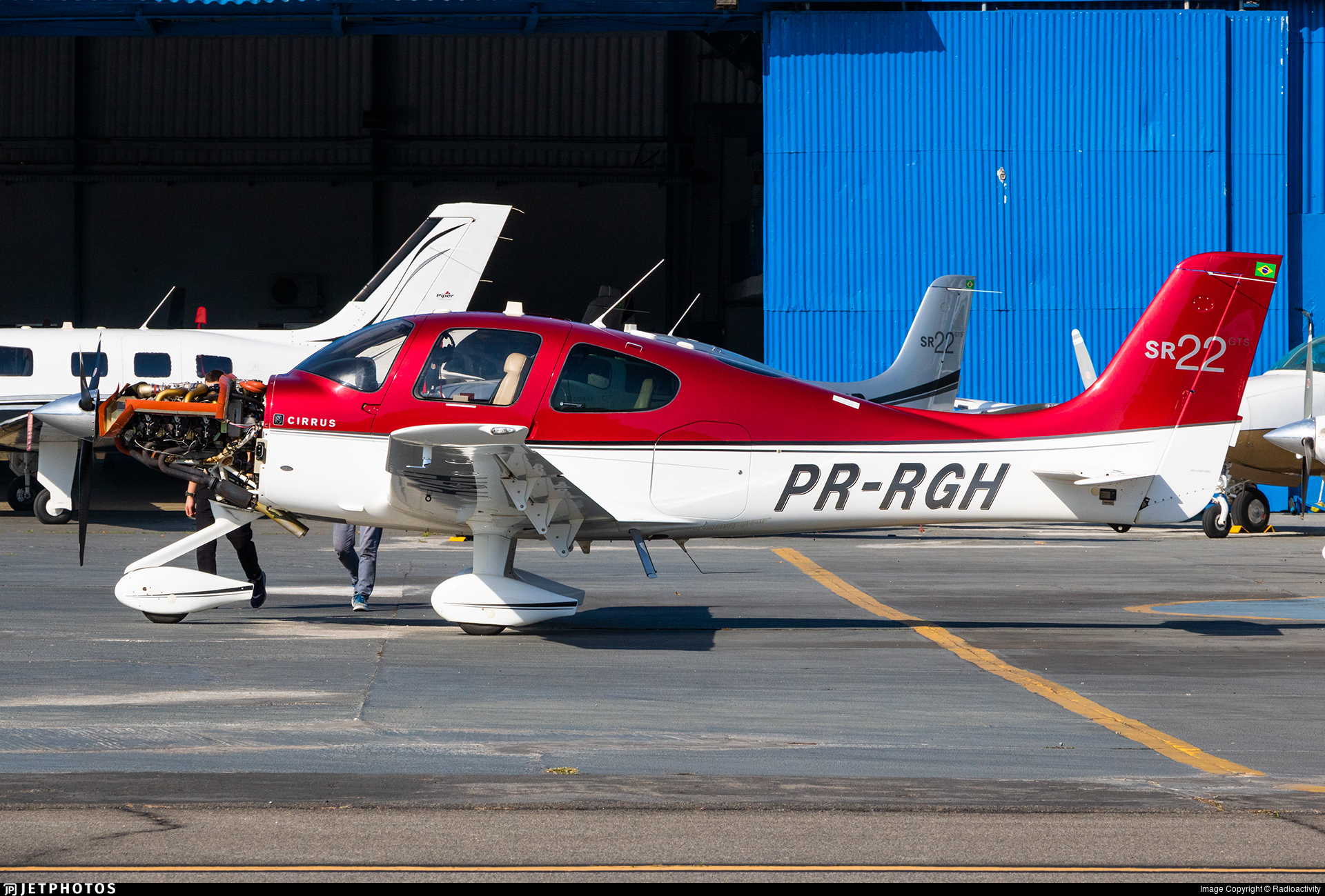 PR-RGH - Cirrus SR22-GTS - Private