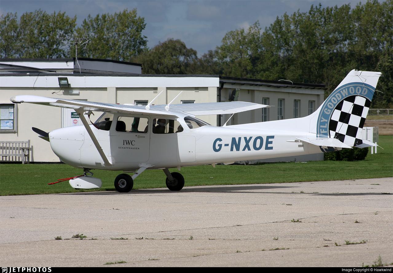 G-NXOE - Cessna 172S Skyhawk SP - Private