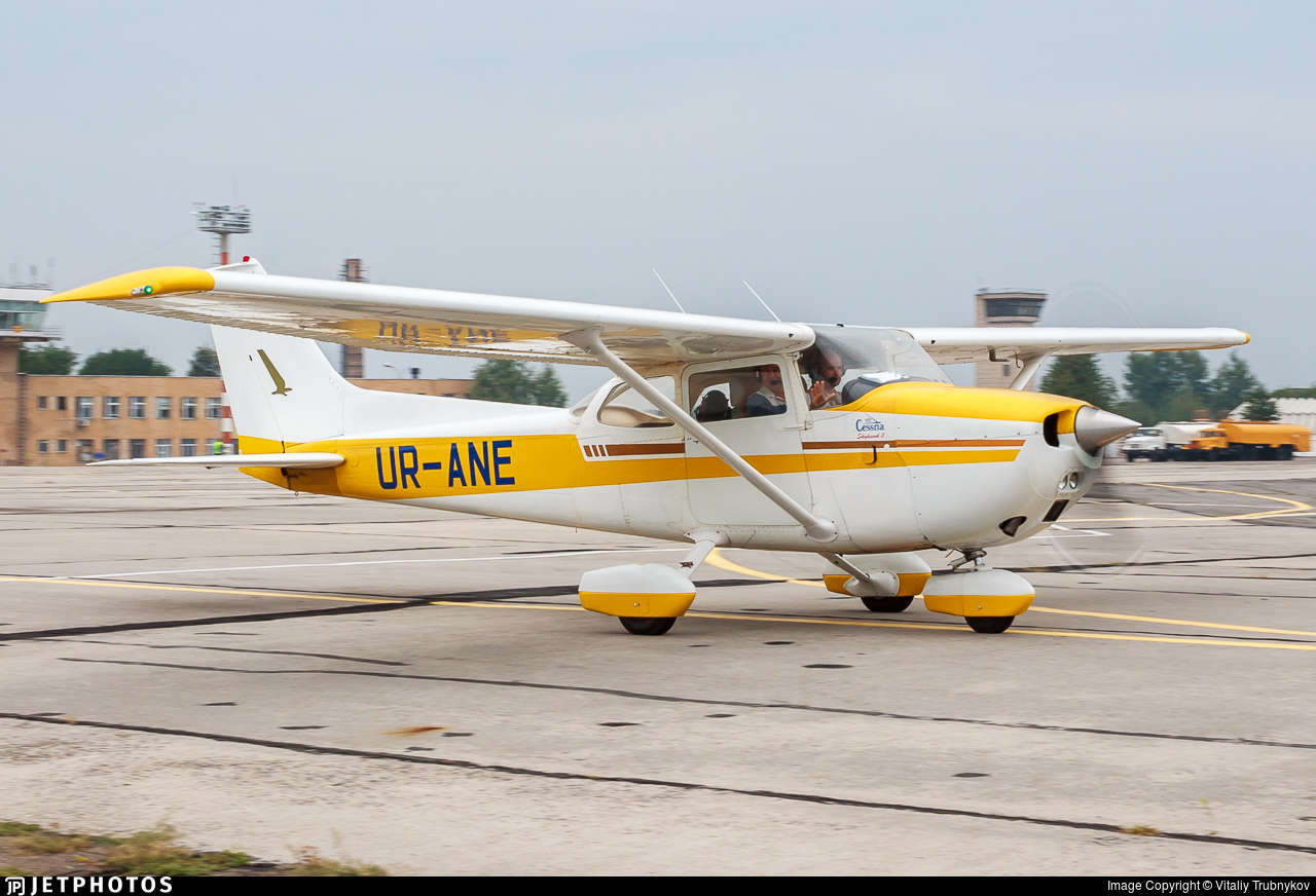 UR-ANE - Cessna 172M Skyhawk II - Private